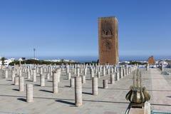 Le complexe commémoratif sur le site des ruines de la mosquée Hassan rabat morocco Images libres de droits