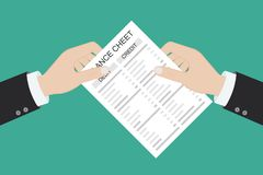 Le comptable avec le rapport et une calculatrice v?rifie l'?quilibre d'argent Rapports financiers d?claration et documents Compta photo libre de droits
