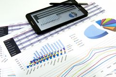 Le comptable vérifient l'exactitude des relevés des compte financier  Comptabilité, concept de comptabilité images stock