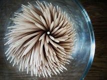Le concept Cure-dents dans un verre Spirale abstraite images libres de droits