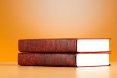 Le concept d'éducation avec les livres rouges de couverture Images libres de droits