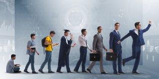 Le concept d'affaires avec l'homme progressant par des étapes Photographie stock