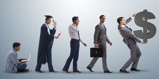 Le concept d'affaires avec l'homme progressant par des étapes Photographie stock libre de droits