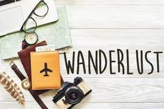 Le concept d'envie de voyager et de voyage textotent, prévoyant le CCB de vacances d'été Photographie stock libre de droits