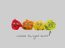 Le concept d'inspiration a chiffonné la métaphore de papier d'ampoule pour la bonne idée image libre de droits