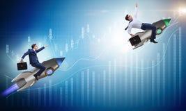 Le concept de concurrence avec deux hommes d'affaires Image stock