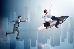 Le concept de concurrence avec deux hommes d'affaires Photo libre de droits