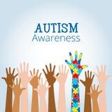 Le concept de conscience d'autisme avec la main du puzzle rapièce Photos libres de droits