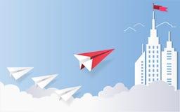 Le concept de direction, l'avion rouge et le bâtiment architectural blanc aménagent en parc Images libres de droits