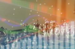 Le concept de jeu de société d'échecs des idées et la concurrence d'affaires et la stratégie prévoient la signification de succès Photographie stock libre de droits