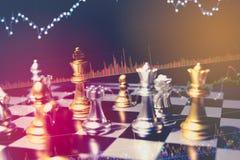 Le concept de jeu de société d'échecs des idées et la concurrence d'affaires et la stratégie prévoient la signification de succès Photographie stock