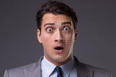 Le concept de reconnaissance des visages avec le portrait d'homme d'affaires images stock