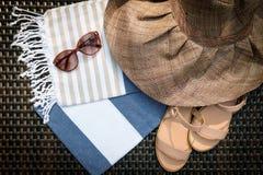 Le concept des accessoires flatlay d'été Images libres de droits