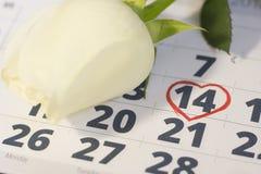 Le concept des vacances avec un calendrier Images libres de droits