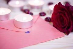 Le concept du jour de StValentine avec des bougies Images libres de droits