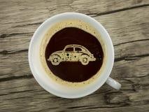 Le concessionnaire automobile offre le café Photos libres de droits