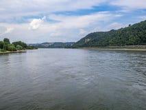 Le confluent des rivières du Rhin et de la Moselle à Coblence, Allemagne photos libres de droits