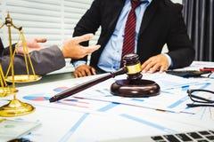 Le conseil des avocats et des banquiers photo stock