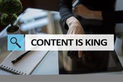 Le contenu est texte de roi dans la barre de recherche Affaires, technologie et concept d'Internet Vente de Digital photographie stock