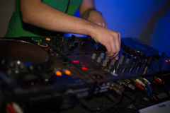 Le contrôleur du DJ photo stock