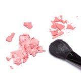 Le contrat et la crème rougissent avec la brosse de maquillage Image libre de droits