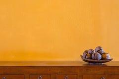 le coperture della noce di cocco decorano Immagine Stock
