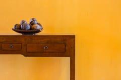 le coperture della noce di cocco decorano Fotografia Stock