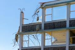 Le coperture di vecchia costruzione che sono demolite fotografie stock libere da diritti