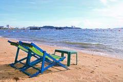 Le coppie delle presidenze di spiaggia a Pattaya tirano Fotografia Stock
