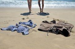 Le coppie nuotano nudo Fotografie Stock