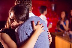 Le coppie sveglie rallentano ballare insieme Fotografie Stock