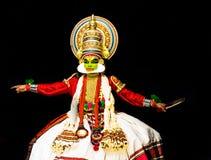 Le corps et l'expression du visage des hommes classiques de danse de Kathakali Kerala photos stock