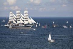 Le corse alte delle navi. Fotografia Stock Libera da Diritti
