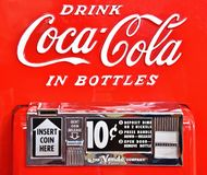 Le cose vanno meglio con coke! fotografia stock