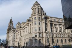 Le costruzioni della testata del molo a Liverpool Merseyside Inghilterra Immagini Stock