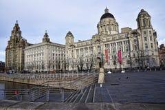 Le costruzioni della testata del molo a Liverpool Merseyside Inghilterra Fotografie Stock