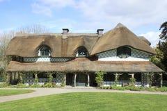 Le cottage suisse dans Cahir Photo libre de droits