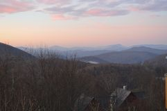 Le coucher du soleil au-dessus de la chaîne des Appalaches Image stock