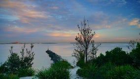 Le coucher du soleil au-dessus des Brighton-Le-sables ?chouent, Sydney, photo stock