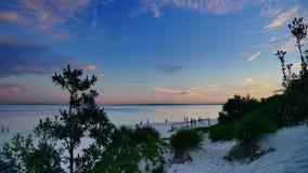 Le coucher du soleil au-dessus des Brighton-Le-sables ?chouent, Sydney, photo libre de droits