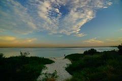 Le coucher du soleil au-dessus des Brighton-Le-sables ?chouent, Sydney, image stock