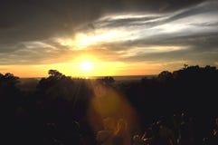 Le coucher du soleil chez Baken au Cambodge Images stock