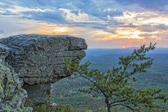 Le coucher du soleil chez Cheaha donnent sur 3 photo stock