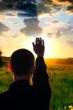 Le coucher du soleil contemplent image libre de droits