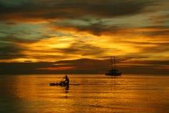 Le coucher du soleil d'or Image libre de droits