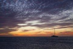 Le coucher du soleil d'Aruba photographie stock