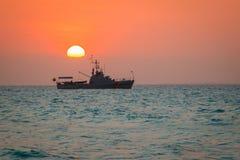 Le coucher du soleil de voir à la côte de la ville de Carthagène en Colombie Image stock