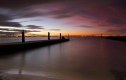 Le coucher du soleil regarde la baie de botanique Photo stock
