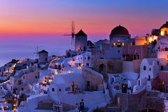 Le coucher du soleil sur Santorini Photographie stock libre de droits