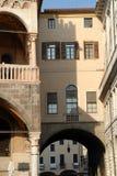 Le couloir liant le bâtiment de Ragione de della de Palazzo qui loge hôtel de ville de Padoue a placé en Vénétie (Italie) Photographie stock libre de droits